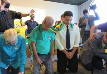 André Azevedo (DC) recebe Unção de pastores para a disputa em Olinda