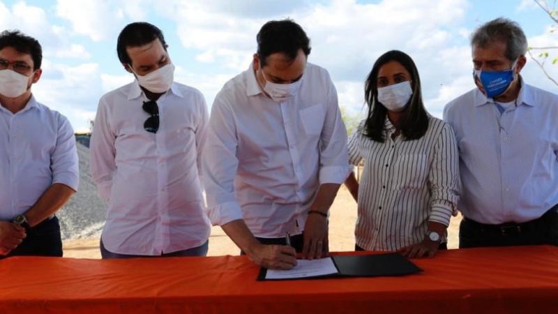 Em visita à região, governador acompanhou o andamento das intervenções para reconstrução das PEs 265 e 275