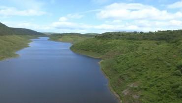 Barragem de Jucazinho, em Surubim, está com nível de água elevado