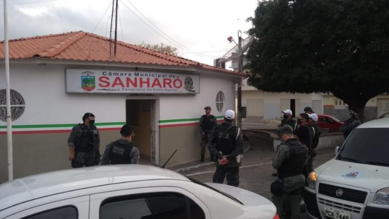 Gaeco/MPPE e Polícia Militar está nas ruas do Agreste de Pernambuco, cumprindo seis mandados de busca e apreensão nas cidades de Sanharó, Poção e Pesqueira, no, na manhã desta quarta-feira (30).