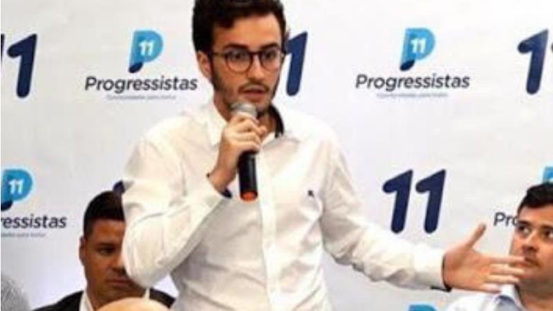 """""""Ficou acertado a pré-candidatura de Lula da Fonte a Câmara Federal, e ele já está construindo seu caminho buscando entendimento com várias lideranças no estado de Pernambuco."""