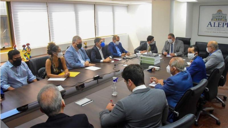 O encontro ocorreu na presidência da Assembleia Legislativa de Pernambuco, por mais de três horas, onde o secretário narrou o ocorrido e trouxe os desdobramentos da apuração no âmbito da SDS-PE
