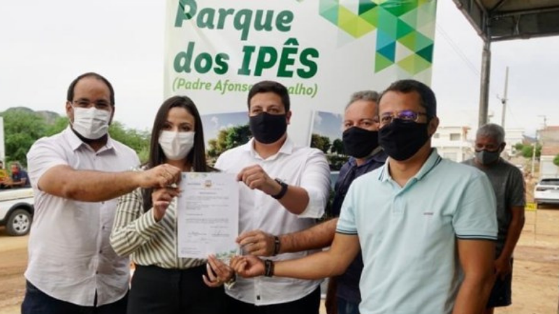 O Parque dos Ipês receberá o nome do ambientalista Padre Afonso Carvalho, e contará com uma área total de 14.904,00 m2, com mais de 70% de área verde