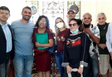 Artes plásticas, música e solidariedade no Marco Zero do Recife