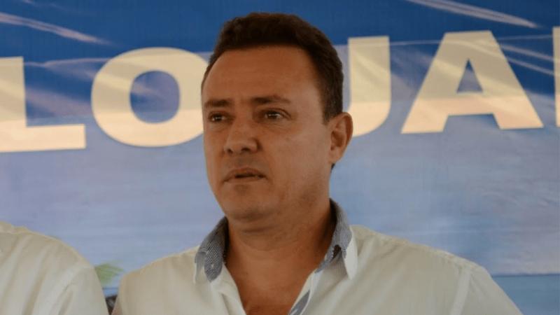 João Jatobá é acusado de utilizar-se, indevidamente de bens, rendas e serviços públicos no caso em que envolve o convênio entre a prefeitura e o banco Schaim