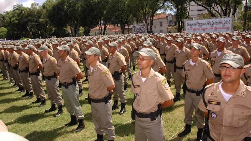 Para 2019, a novidade do São João é a descentralização dos Centros de Comando e Controle. Além do Recife, os espaços de monitoramento devem ser montados nos municípios de Caruaru e Serra Talhada