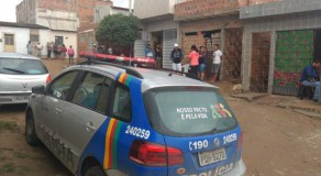Mulher é encontrada morta dentro de casa em Caruaru