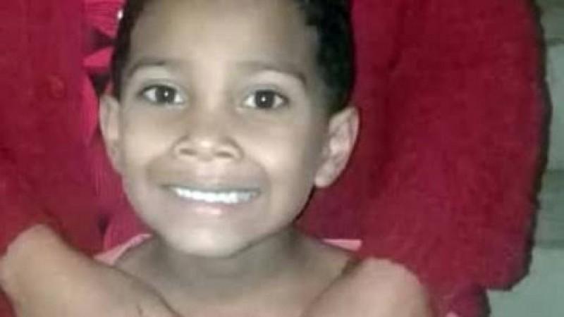 Corpo da criança foi encontrado dentro de um matagal em avançado estado de decomposição