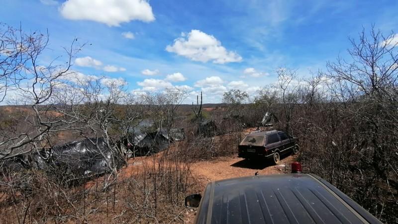 O garimpo ilegal estaria causando  um grande prejuízo ao meio ambiente daquela região.