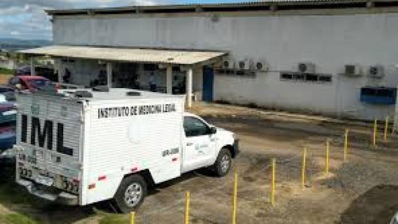 Corpo de Sílvia Eduarda foi encaminhado para o IML de Caruaru; Vítima tinha passagem pela polícia