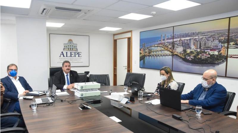 """O projeto """"Fala Pernambuco"""" começou suas atividades ouvindo pequenos empresários do Sertão do Araripe"""