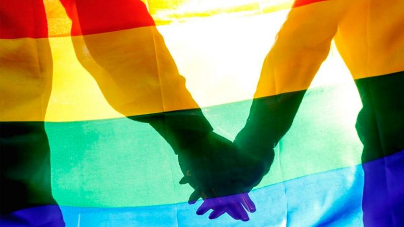 75% dos entrevistados LGBTQIA+ apontam que as empresas têm preconceito em contratar e 53% já sofreram algum tipo de discriminação pela sua orientação sexual.