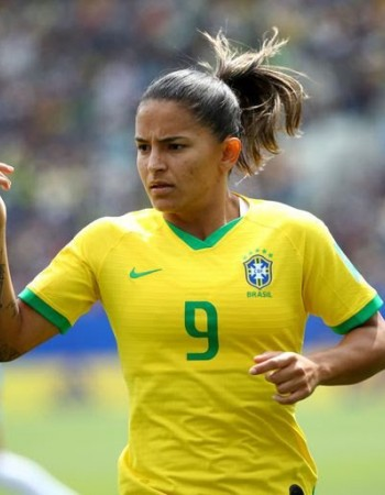 Brasil joga contra a França na Copa do Mundo feminina neste domingo