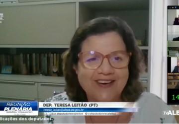 Teresa Leitão endossa apelo por prioridade para profissionais da educação na vacinação contra a covid-19