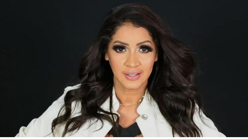 A cantora com 20 anos de carreira ficou conhecida com os hits Ânsia,Garota de Programa, Me deliciar e Orvalho