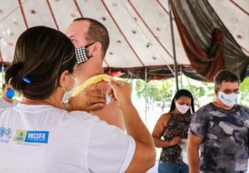 PCR promove ação de vacinação contra gripe no aeroporto