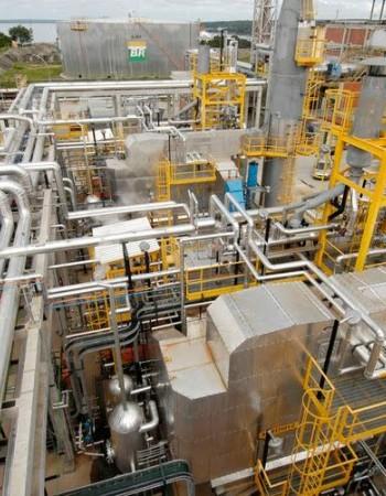 Cade aprova venda de oito refinarias pela Petrobras