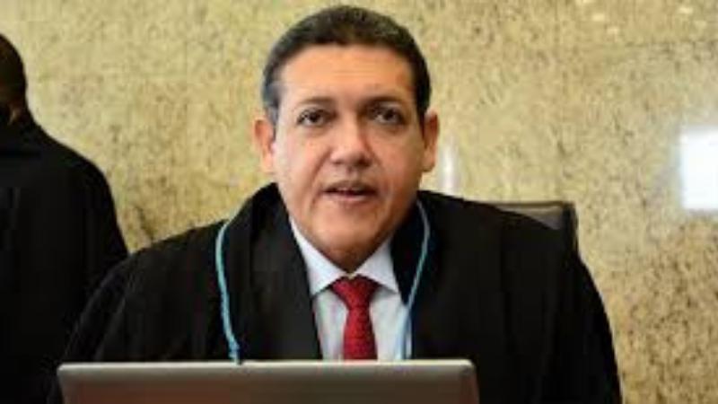 Nome do substituto de Celso de Mello sairá no Diário Oficial nesta sexta, disse presidente em live