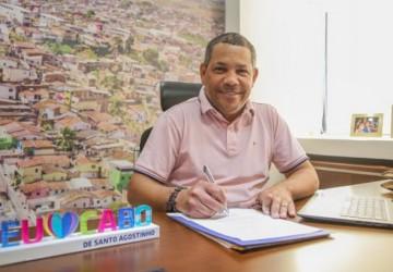 Keko do Armazém assina termo de interesse para compra de vacinas contra covid-19