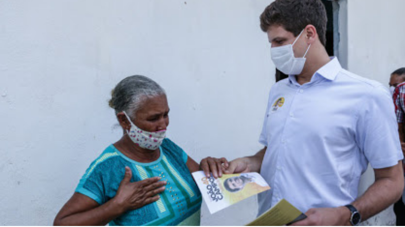 O porta a porta ocorreu dentro dos limites e recomendações impostas pelas autoridades de saúde, respeitando também a resolução do TRE para os atos de campanha