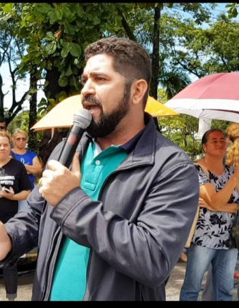 Vereador Daniel Alves participa do protesto dos servidores de Jaboatão dos Guararapes