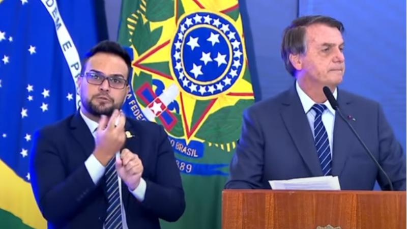 Após mais uma série de insinuações proferidas por Bolsonaro contra a China, o presidente da Frente pede a interdição do presidente da república