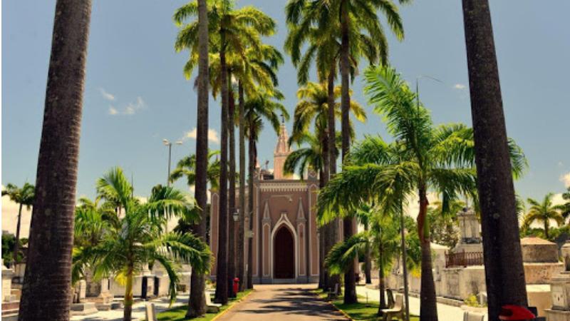 Para garantir uma maior segurança aos visitantes no enfrentamento à pandemia de covid-19, não haverá missa e outros eventos religiosos nos cemitérios públicos da capital pernambucana