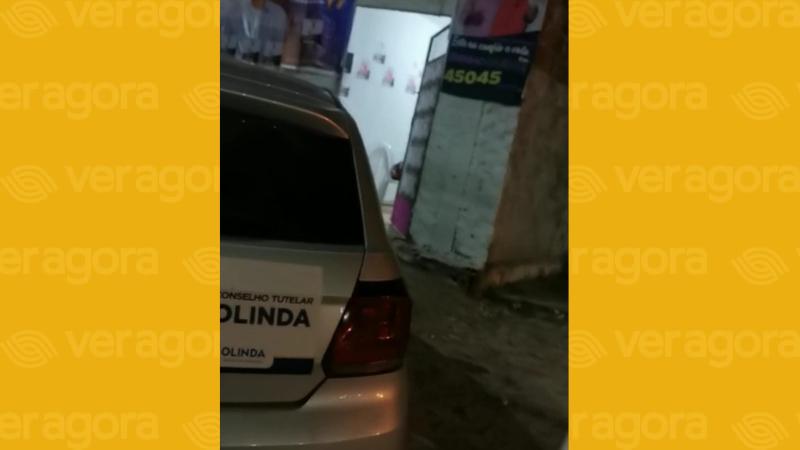 O veículo estaria sendo usado em atividades de campanha de candidato a vereador do PSDB, segundo a denúncia