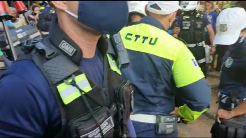 De acordo com a polícia, homem foi encaminhado para a Delegacia da Boa Vista, na área central do Recife.