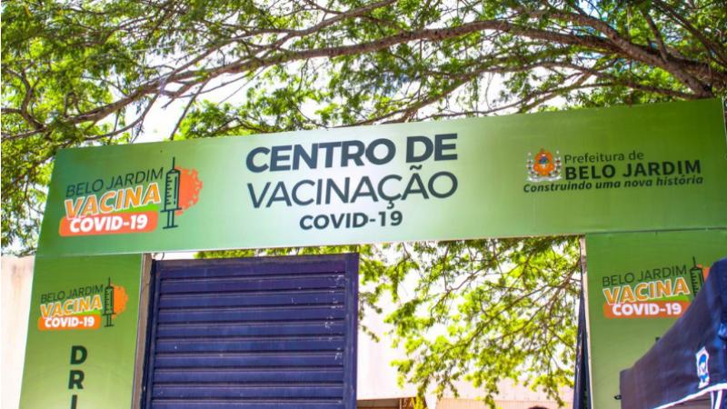 Suspensão ocorre após insuficiência de imunizante pelo Ministério da Saúde. A Astrazeneca, como D1, para o público alvo, seguem sem alteração
