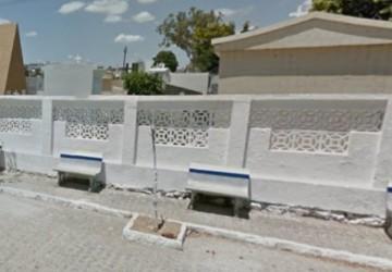 Jovem é encontrado morto em cima de túmulo em Santa Cruz do Capibaribe
