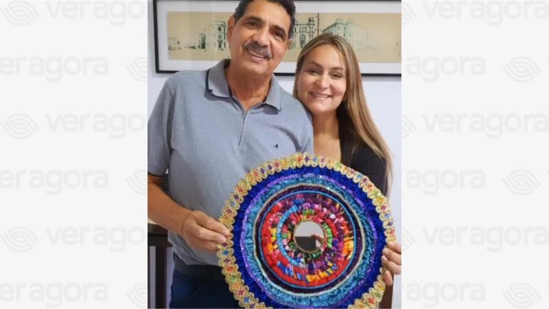 A mandala feita pela artista Haia Marak especialmente para o candidato a prefeito, foi presente de Vivian Farias