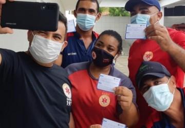 Goiana segue vacinação da Covid-19 em idosos e profissionais do SAMU