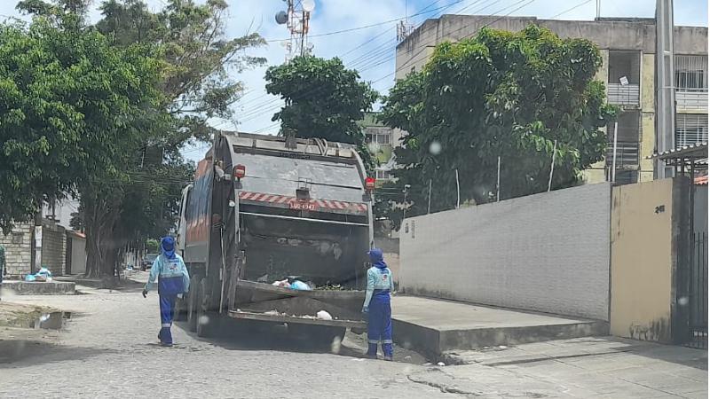 O planejamento levou em consideração o volume de lixo produzido por cada bairro