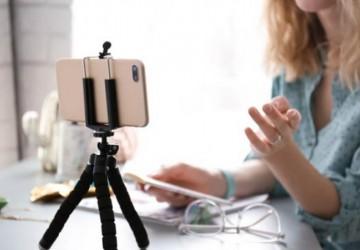 Especialista orienta como planejar novo formato de entrevista de emprego: vídeo-currículo
