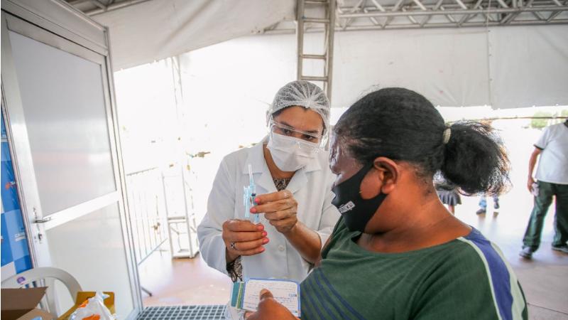 Neste intervalo de cinco dias, o município reduzirá, a cada dia, 2 anos na fila de prioridade da vacina contra a covid-19.