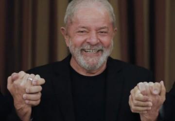 Lula aparece na frente em pesquisa para eleições de 2022