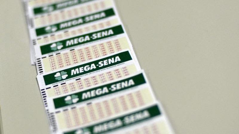 Uma aposta simples feita na cidade de Abreu e Lima foi a ganhadora do sorteio realizado ontem (7)