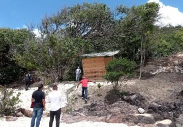 Prefeitura do Cabo notifica barraqueiros na área de preservação da Praia de Pedra de Xaréu