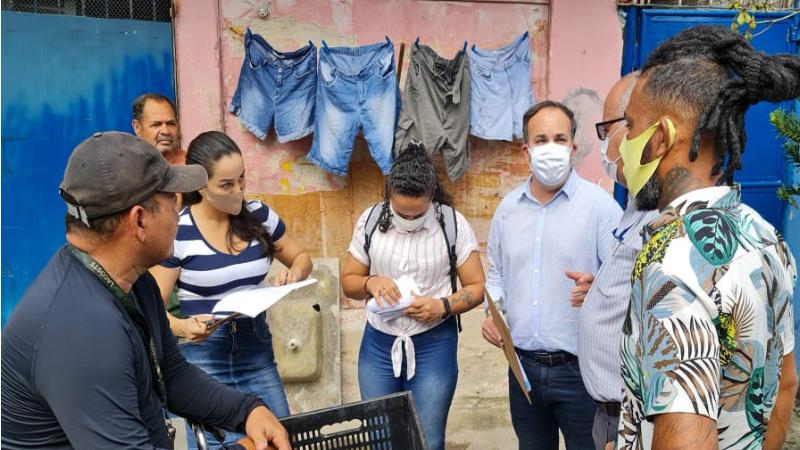 """Cerca de 420 pessoas da Comunidade Vila Brasil, divididas em 04 grupos, deverão comparecer no dia e hora marcados na Central do Bolsa Família na Rua do Imperador, para sanar pendências no """"NIS""""."""