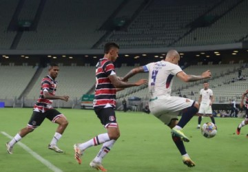 Santa ganha do Fortaleza no Castelão e respira na Copa do Nordeste