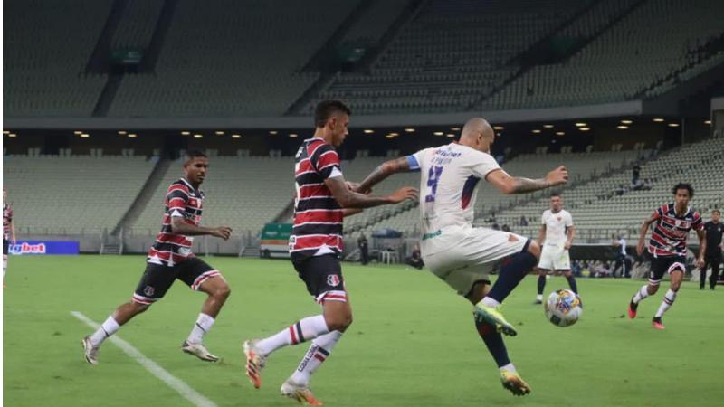 Júnior Sergipano foi o autor do único gol da partida, que aconteceu no estádio Castelão e manteve o Santa vivo no Nordestão