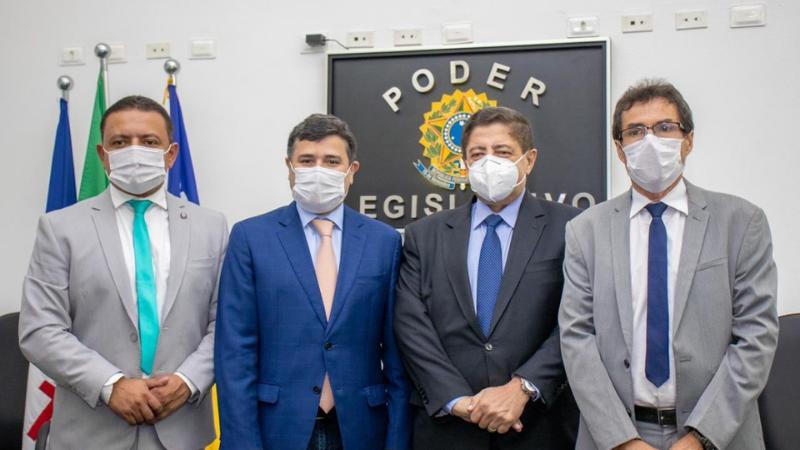 Com o apoio do deputado e do ex-prefeito do município de Gravatá, Joaquim Neto, Léo do Ar venceu uma eleição muito disputada na entidade
