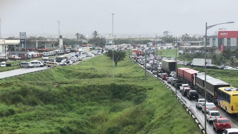 Motivo seria uma alteração no Código de Trânsito, que penaliza o serviço de transporte alternativo