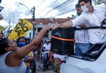 João Campos e Isabella reforçam campanha em sete bairros nesse sábado