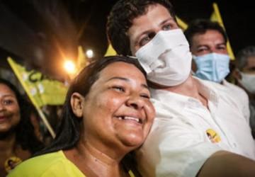 João Campos diz assumir compromissos