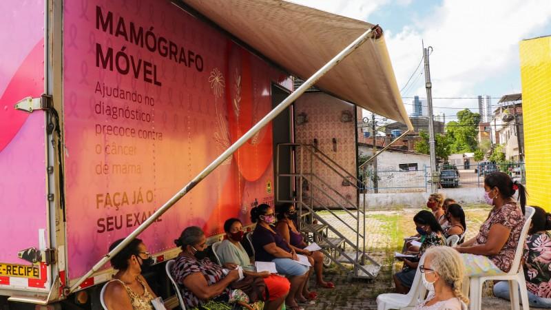 O caminhão do mamógrafo móvel da Secretaria de Saúde do município circulará em 21 pontos da capital pernambucana. Ações têm início nesta quinta-feira (1º)
