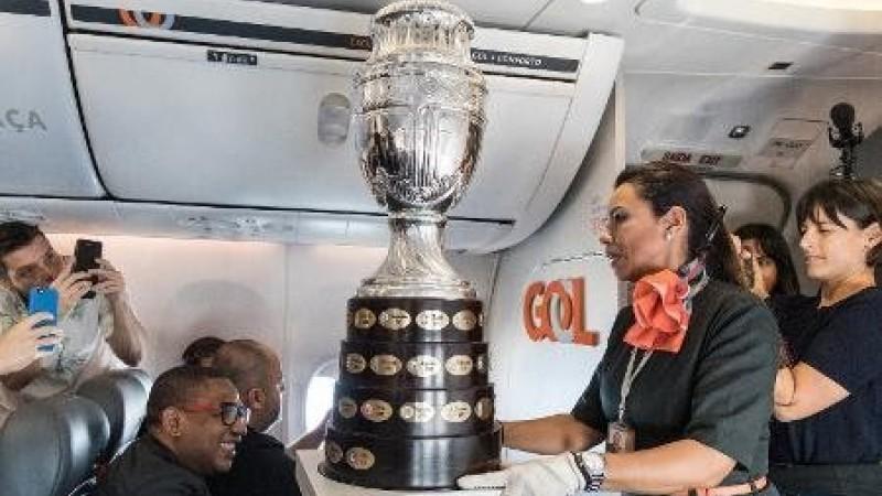 Taça volta ao Brasil depois de três décadas