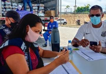 Jaboatão entrega 75 toneladas de alimentos a instituições sociais do município