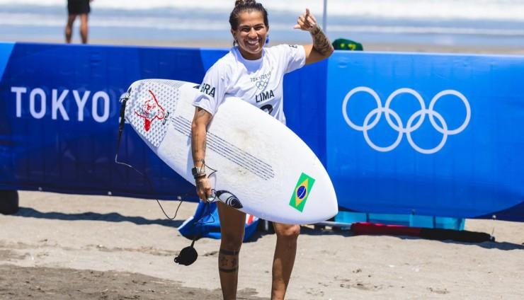 Silvana, Medina e Ítalo avançam às quartas de final do surfe em Tóquio